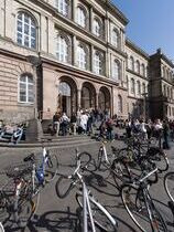 Students in Front of the RWTH Main Building